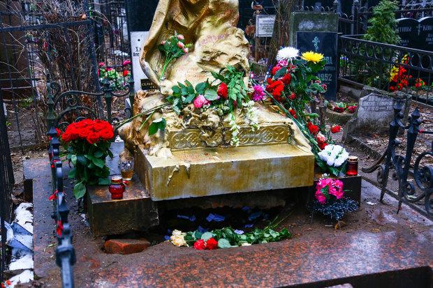 Чудодейственная сила могилы Соньки Золотой Ручки: разбогатеет любой, кто правильно попросит у надгробной плиты