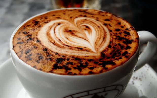 Ученые разбили в пух и прах главный миф о кофе: напиток может принести пользу, надо лишь соблюдать простое правило