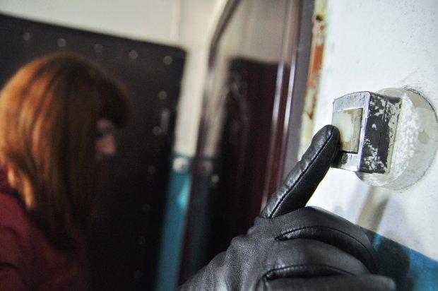 Новый вид мошенничества терроризирует украинцев: загоняют в долги и лишают последнего, в опасности каждый