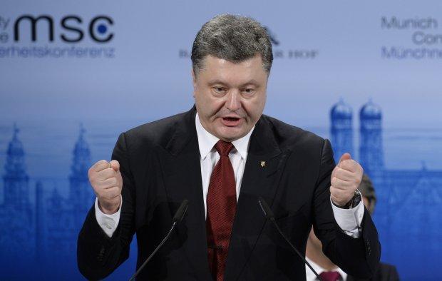 Главное за день среды: планы Порошенко по госперевороту, дерзкое нападение на жену Саакашвили и подписание рокового закона для Украины