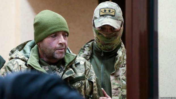 Шесть видов нападения: россияне фактически тренировались на украинских моряках, отрабатывая  навыки применения разного оружия