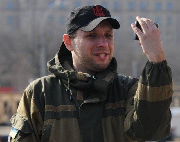 Парасюк прямо под Радой накостылял главному охраннику Порошенко