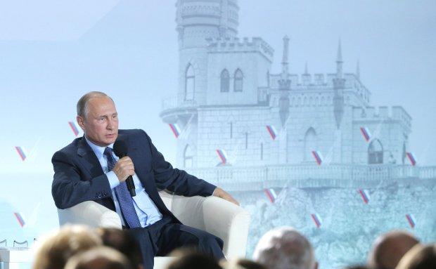 У Путина заподозрили серьезные проблемы со здоровьем: «ноги, как циркулем зацепило», фото