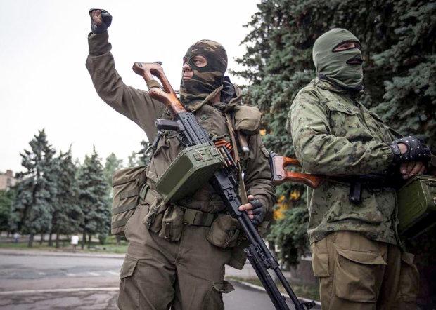 Боевики «ДНР» не выпускают людей в Украину, на границе паника, что-то назревает
