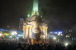 Майдан в дыму от файеров и паники, протесты в Киеве приняли новый оборот: фото и видео