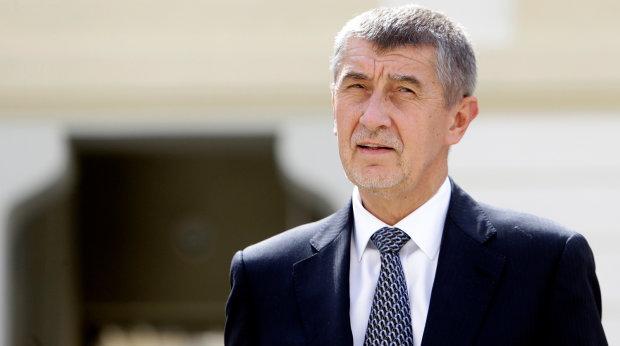 Скандал в Чехии: Премьер-министр портит репутацию своей страны, он признал, что его сын прятался в Крыму. Что теперь будет?