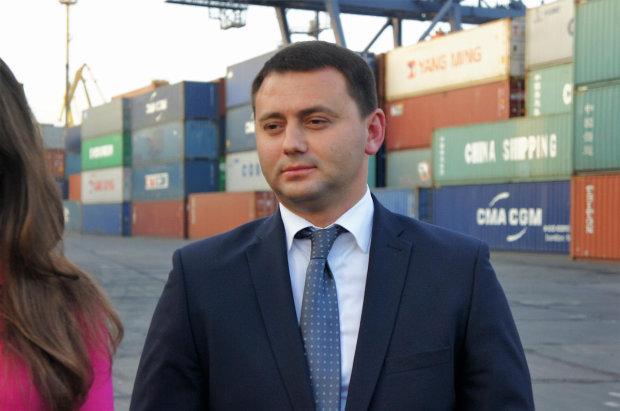 Бизнесмен «подкармливает» прокурора Одесской области и распоряжается судьбами людей: цена сделки — 200 тыс $ ежемесячно, раскрыты подробности схемы
