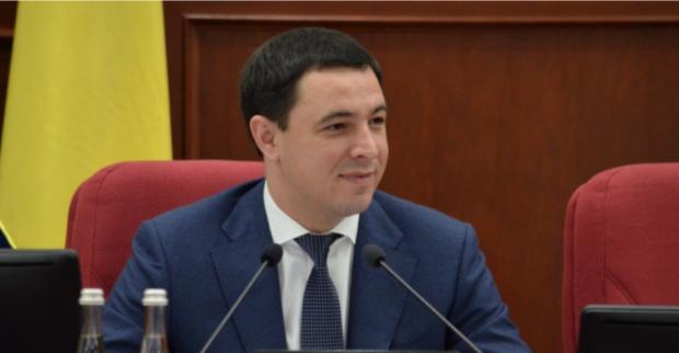 Владимир Прокопив: Бедный чиновник, богатая жена