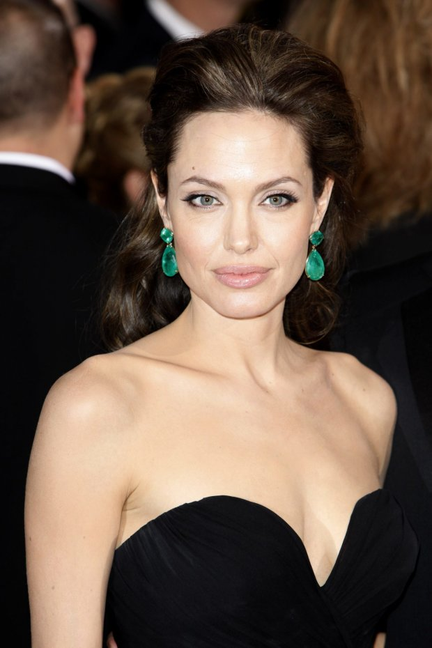 Анджелина Джоли раскрыла страшную тайну, о которых обычно молчат