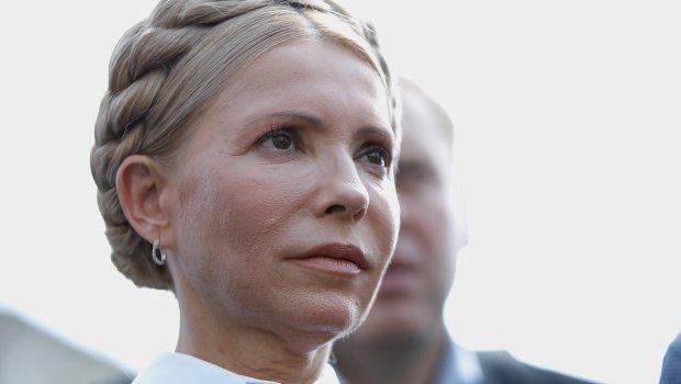 Тимошенко снова упала лицом в грязь, украинцы покатываются со смеху, Зеленский потирает руки: «увидела 10 тысяч людей»