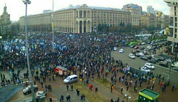 Люди толпами вышли на Майдан, народное Вече - сигнал для Зеленского: что дальше