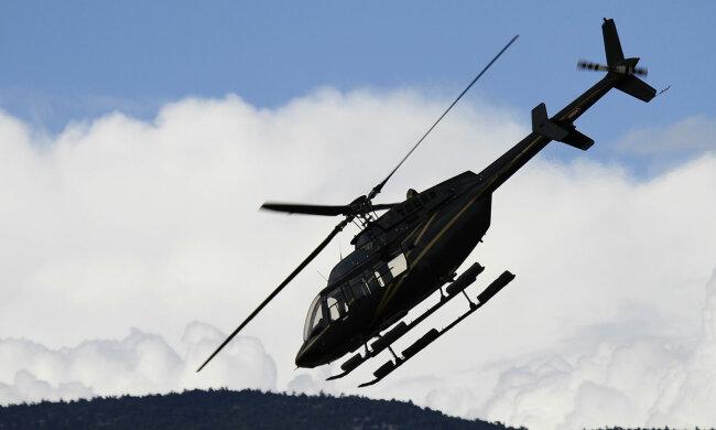ЧП в воздухе: еще один вертолет с пассажирами не смог прорваться сквозь бурю. На борту были люди