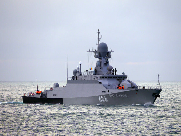 Кремль продолжает устраивать наглые провокации, отправляя в Черное море один корабль за другим