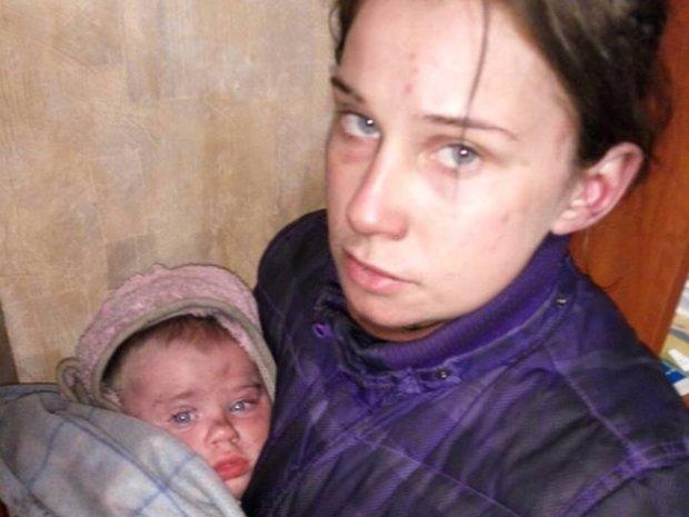"""""""Беспощадно бил"""": харьковчанка, которая жила с ребенком в лесу, рассказала, как оказалась на улице"""