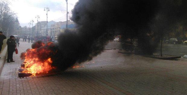 На нашем газе «нагрелись» все, кроме нас. Украинцы разжигают костры из шин на главных площадях, чтобы хоть как-то согреться