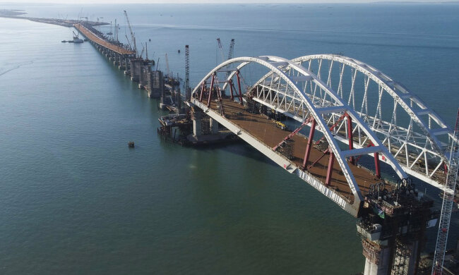Керченский мост вновь ударил по российским оккупантам, за содержание конструкции придется дорого заплатить, Путин схватился за голову