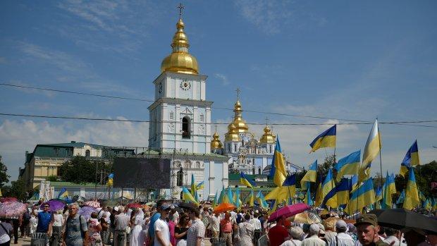 Андреевскую церковь чуть не сожгли дотла. Украинцы в ужасе. Московские прихвостни постарались?