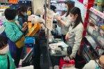 Вакцина против коронавируса помогает - у человечества есть шанс