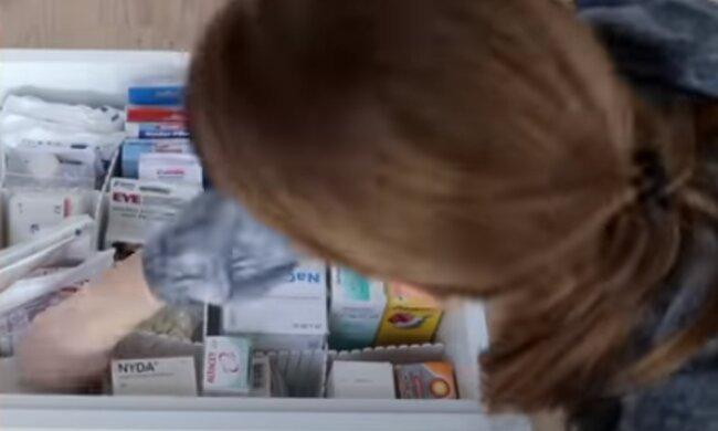 Опасные препараты в домашней аптечке. Фото: скриншот YouTube