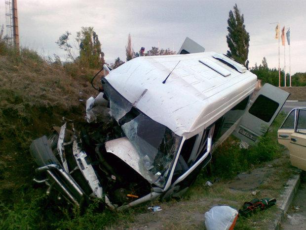 Жуткая авария с маршруткой под Киевом: много пострадавших