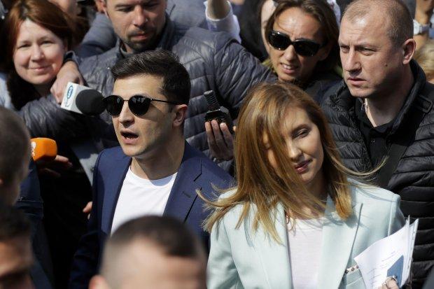 Главное за день воскресенья 12 мая: Зеленский трогательно обратился к маме, супруга президента оголила грудь на публике, Лукашенко бросил вызов Путину
