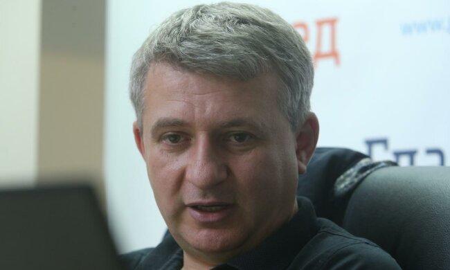 Романенко объяснил, как команда Зеленского уничтожает медицину