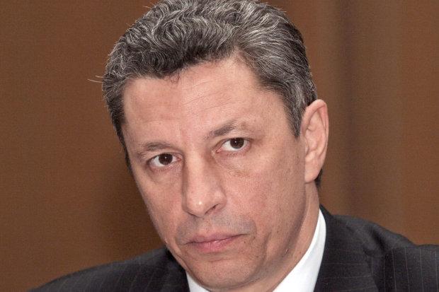 Пока СБУ ловит мух, регионал Бойко отчитался перед РоссТВ. Кремль остался довольным. Украинцы в ярости