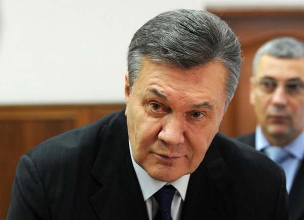 Янукович в костюме Деда Мороза «спалился» в центре Киева: украинцы потеряли дар речи, детишки задрожали от страха, детали