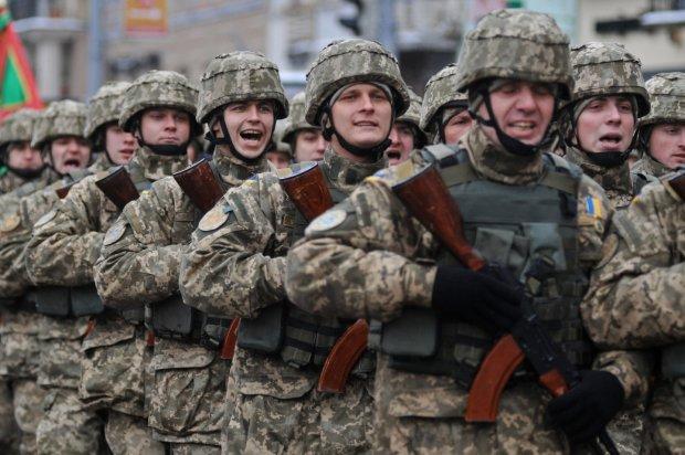 Ваше имущество конфискует армия: чем поплатятся украинцы ради будущего страны с введением военного положения