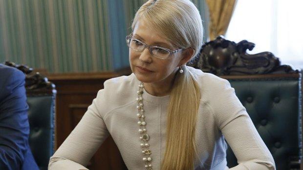 Тимошенко хочет встать с колен: ее подвел Яценюк. Да и Ющенко тоже оказался не гигантом