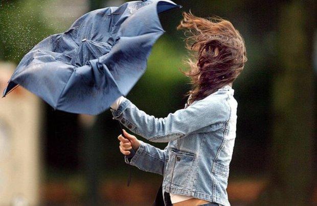 """Доставайте зонты и плащи: синоптики предупредили украинцев о худшем, """"продлится всю неделю"""""""