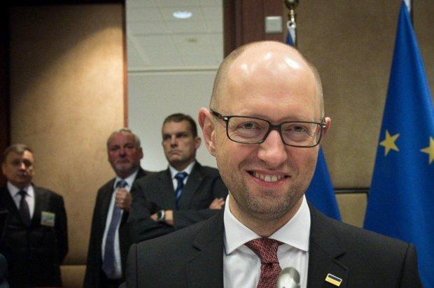 Яценюк затеял политическую игру, хочет подставить Зеленского: детали