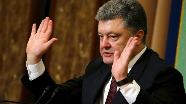Порошенко впереди планеты всей: президент уже подлизался к преемнице Меркель и намекнул на помощь Украине