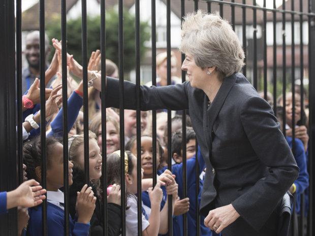 «Извините, можно выйти?» ЕС согласился отпустить Великобританию, но не бесплатно