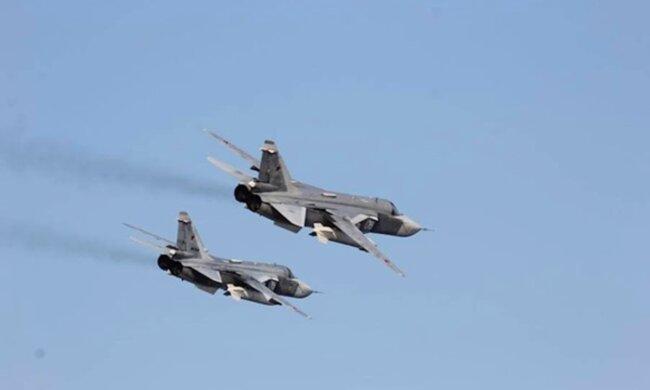 Самолеты ВВС США вторглись на территорию Крыма: мир замер в ожидании реакции Кремля