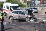 ДТП в столице поставило на уши весь город: два таксиста не поделили дорогу, пострадали пассажиры, фото