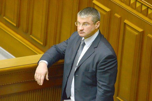 Кум Пшонки зарегистрировал проект постановления с предложением провести инаугурацию Зеленского 19 мая