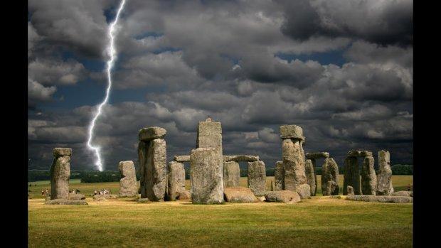 Археологи выяснили, что находится внутри Стоунхенджа