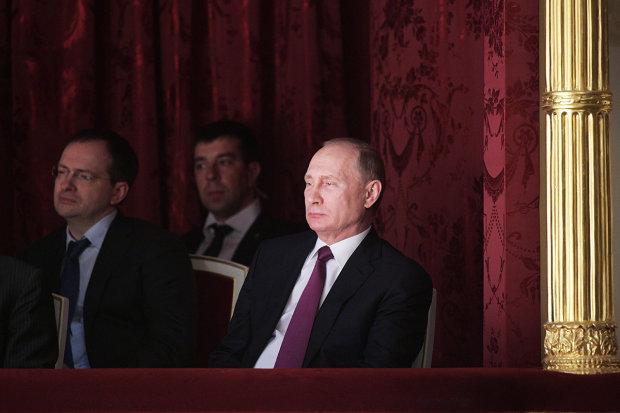 """""""Бронештаны, бронеботинки и бронеботокс"""": в сети нещадно обстебали Путина"""