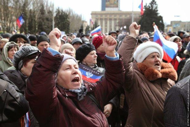 """ШОК! В Мариуполе """"ДНРовский"""" шабаш! В Украине есть армия и полиция?"""