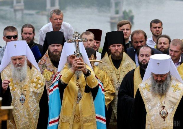 Российские попы в Украине юлят, как черти на сковородке: кормятся с руки Москвы, захватывают землю и цепляются за прихожан