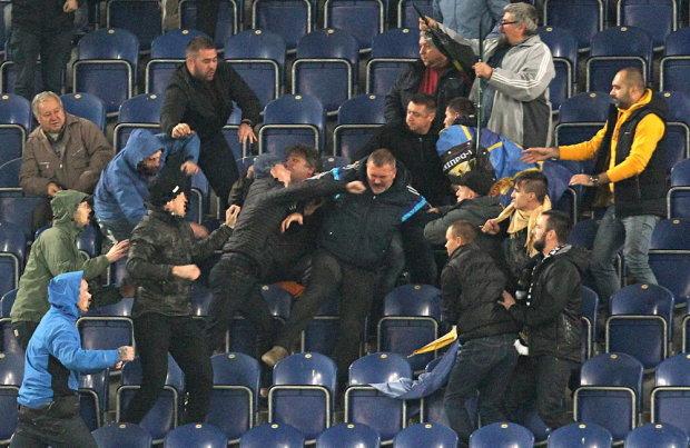 ЖЕСТЬ! Ультрас «Днепра» прямо на стадионе вломили народному депутату