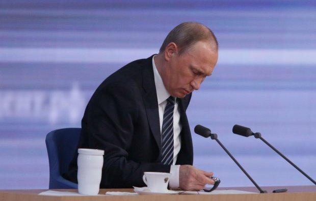 """Путин показал свою новую жену, в соцсетях держатся за животы: """"настоящий ловелас, делает успехи"""""""