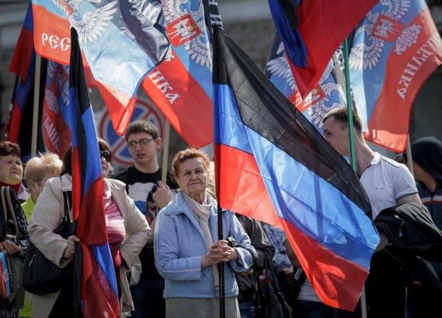Чак Норрисс и лучшие традиции СССР: фейковые выборы в «ЛДНР» превратились в черт знает что, это надо видеть