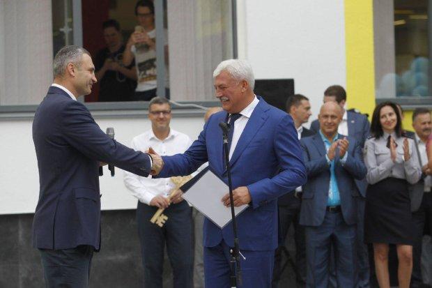 Будни Киевсовета: рука руку моет