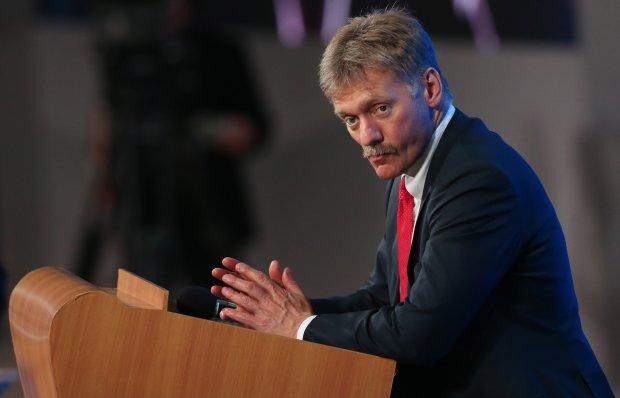Правая рука Путина Песков превратился в нечто несуразное: «из подворотни вылез»