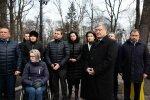 У Порошенко своя атмосфера. Это произошло прямо сейчас. Публично плюнул на украинцев, ему этого не простят