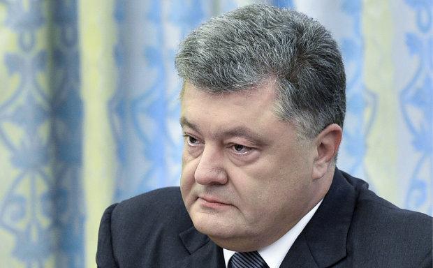 Политический труп: Порошенко уже одной ногой в тюрьме, появилось экстренное заявление, «всерьез и надолго»