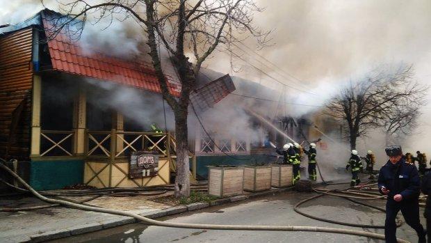 Известный на всю Украину ресторан сгорел дотла: спасатели не успели ничего сделать, есть пострадавшие, фото