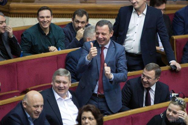 Красиво жить не запретишь, особенно если это на деньги простого украинского народа: сколько нардепов-миллионеров получают компенсацию за жилье